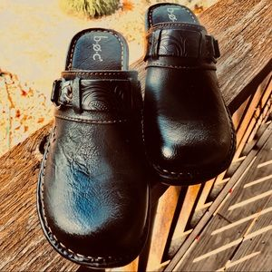 Boc Black Tooled Vegan Leather Western Style Clogs